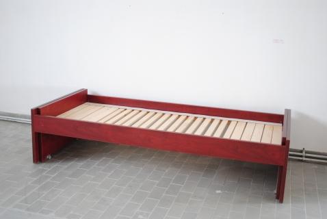 Rozkládací postel za 2 000 Kč