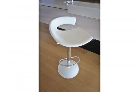 Barová židle Torino 3 400 Kč